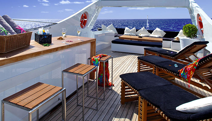 motor-yachts-tropicana-3s