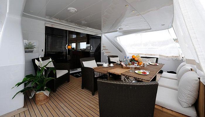 motor-yachts-tropicana-5s